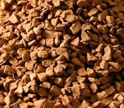 Цикорий натуральный растворимый. Сублимированный цикорий средней обжарки отличается ярким натуральным вкусом и богатым ароматом. Благодаря бережной низкотемпературной переработке все ценные свойства напитка сохранены. Состав: 100% цикорий натуральный. Способ приготовления: 1. Положить в чашку 1-3 чайные ложки цикория. 2. Залить горячей кипяченой водой или молоком и размешать. 3. Сахар и сливки добавить по вкусу. Пищевая ценность на 100г продукта: белки - 12,6г, жиры - 0г, углеводы - 45,8г, пищевые волокна - 35,3г, в том числе инулин - 35,0г. Энергетическая ценность: 304,2ккал/1275,2кДж. Указанные средние значения пищевой ценности могут колебаться в зависимости от климатических условий произрастания и сортовых особенностей используемого натурального сырья. Инулин - натуральный полезный пребиотик, стимулирующий рост полезной микрофлоры кишечника. Хранить при температуре не выше 20'C и относительной влажности не более 75% с плотно закрытой крышкой. Срок годности 2 года.